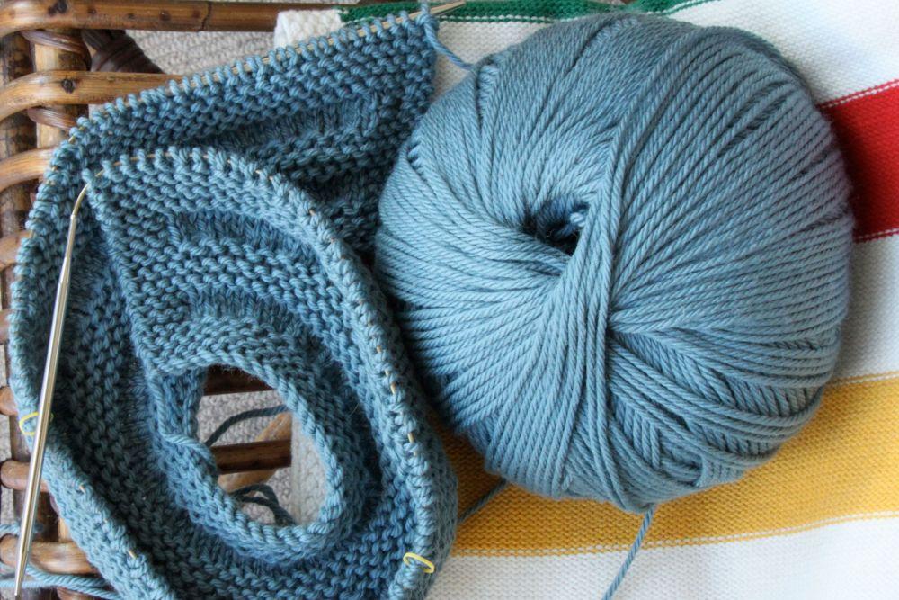 Procrasti-knitting