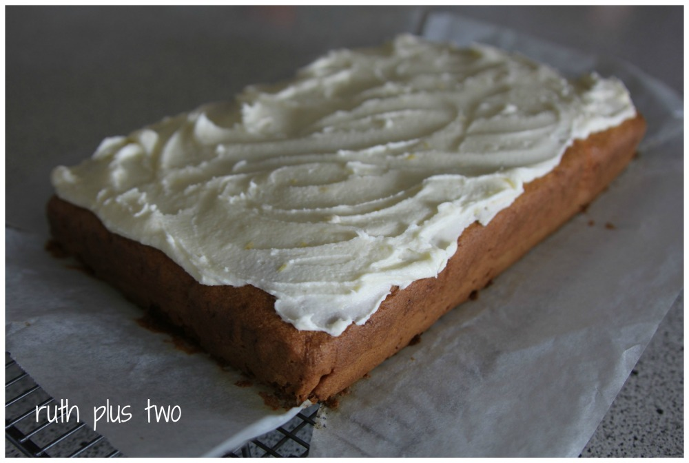 Gluten-free carrot cake (3/4)
