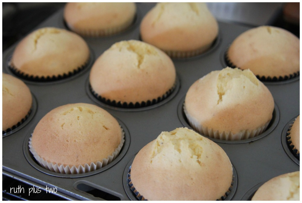 Easy {gluten-free} cupcakes (4/5)