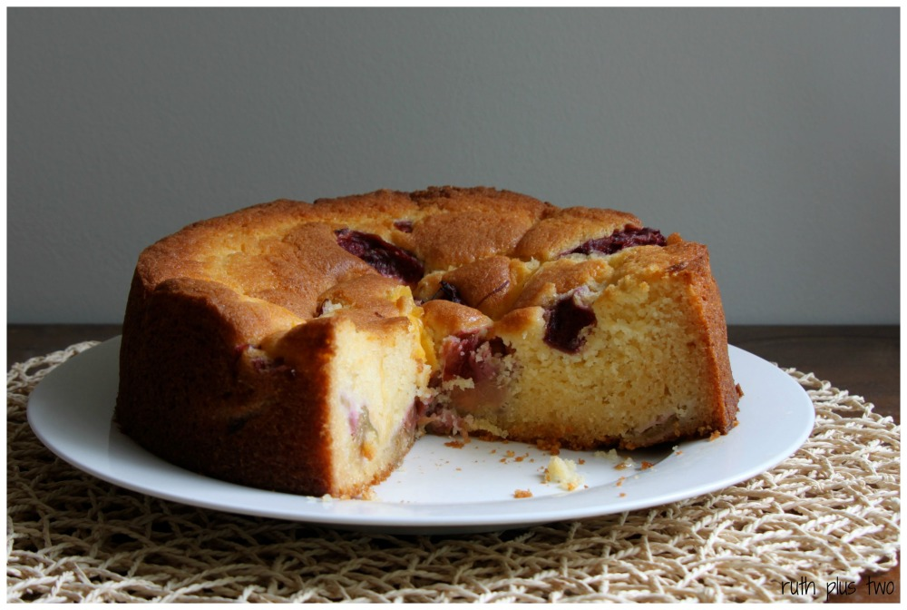 Cake season: {gluten-free} rhubarb custard cake (2/3)