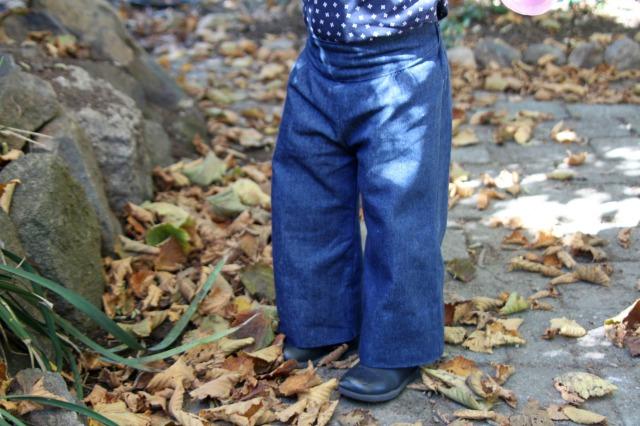 Elena - front of pants