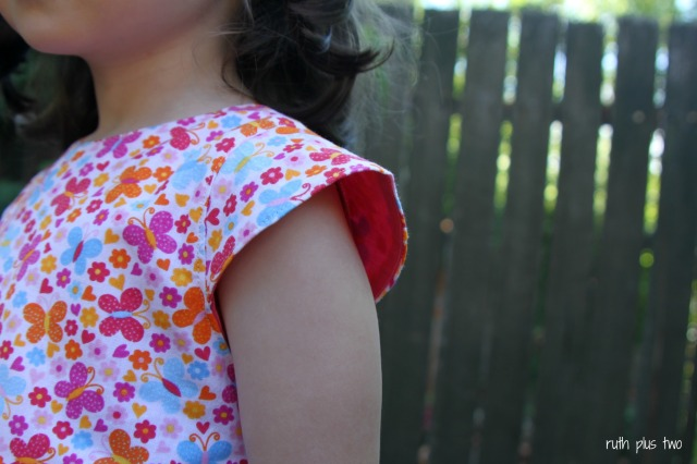 sleeve lining detail